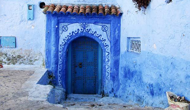 una puerta qué ver en Chaouen