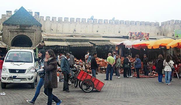 La plaza de el-Hedim es el lugar más auténtico que conocer en Meknès