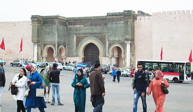 La puerta Bab Mansour es otro lugar fundamental que ver en Mequinez