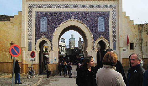 La visita a la Puerta Bab Bou Jeloud será lo ultimo que hacer en Fez antes de adentrarnos en la medina de Fez