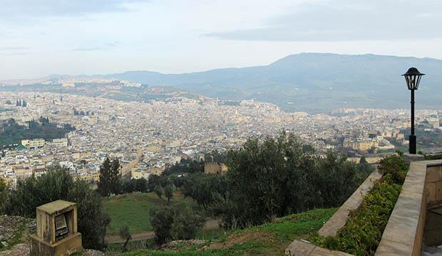 Vista panorámica de la medina de Fez, un lugar mágico que ver en Fez