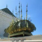 Mausoleo de Mohamed V. Candelabro a la entrada