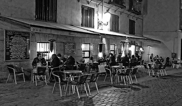 Una terraza de un café cualquiera en España