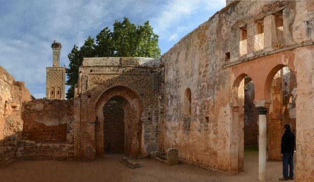 La mezquita dentro de la Necrópolis Chellah