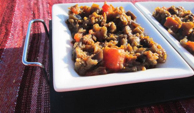 La ensalada de berenjenas marroquí se sirve normalmente como entrante