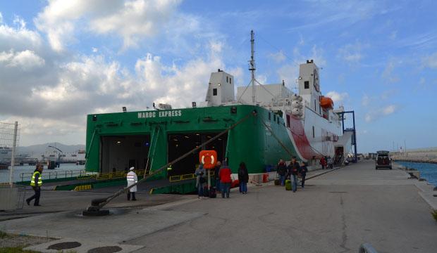 Los trámites de las aduanas de Marruecos son necesario pasarlos tanto fuera como dentro del barco