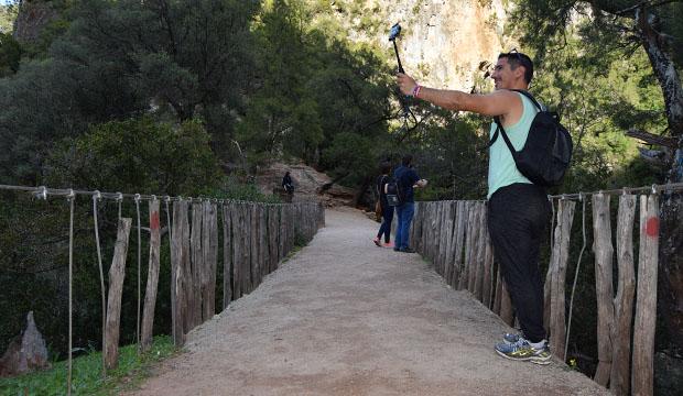 Puente de Dios en Akchour de cerca