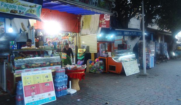Los snacks de la plaza son el lugar ideal donde comer en Essaouira rápido