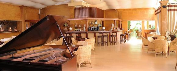 Piano-bar del Hotel Oumnia Puerto