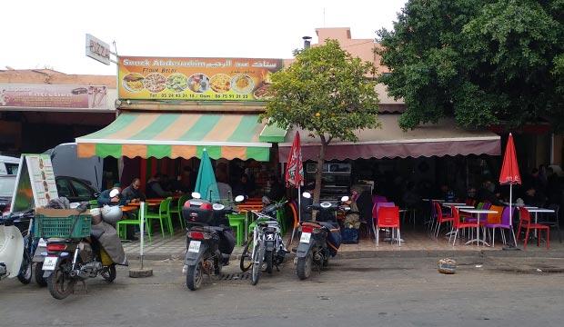 El Snack Abderrahim es uno de los restaurantes en Marrakech más recomendados para la comida más occidental