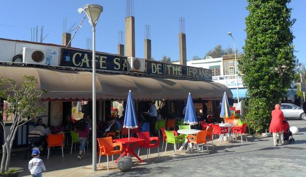 Café Ifrane es un recomendable lugar donde tomar té en Asilah