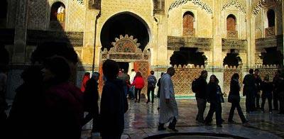 Fez turismo. Madraza de Bou Inania