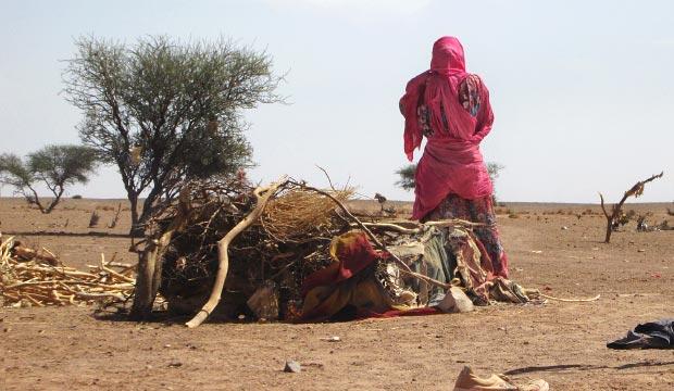 El pañuelo tuareg o turbante tuareg tiene como función proteger del viendo y la arena