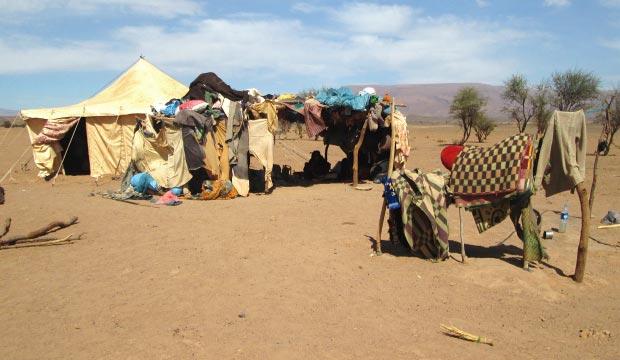 La tienda tuareg o carpa tuareg es una tienda nómada basada en una estructura de madera y alfombras o pieles