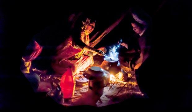 La vida nómada del tuareg o tuarec se enfoca en la continua necesidad de obtener recursos