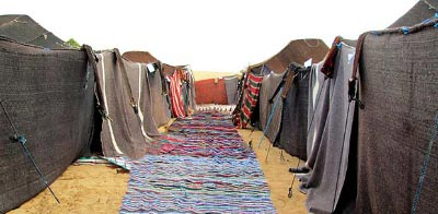 Jaimas entre las dunas del desierto de Erg Chebbi
