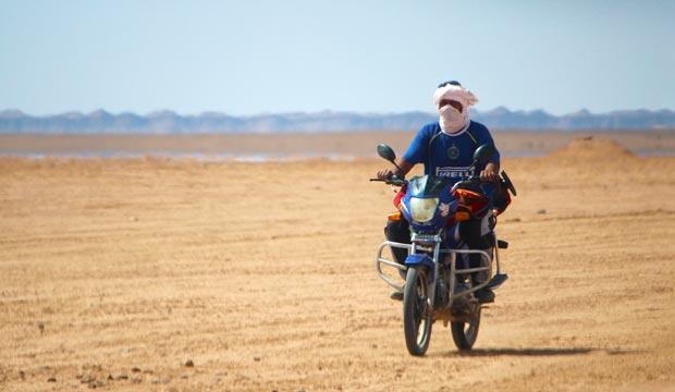 Erg Chigaga (Marruecos) es un lugar muy frecuentado por motoristas