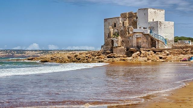 La playa de Sidi Kaouki es una playa blanca de Marruecos
