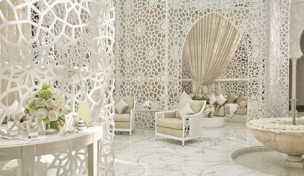 Si quieres dormir en Marrakech de una forma especial, el Hotel Royal Mansour es una buena opción