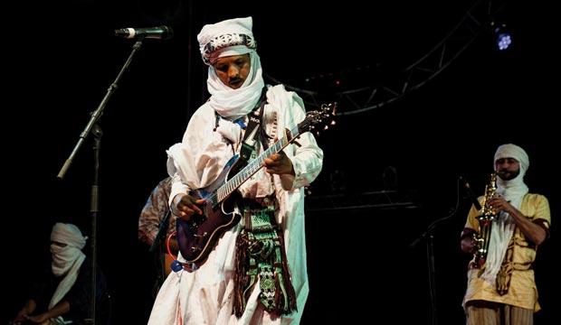 Concierto tuareg en el Festival International des Nomades