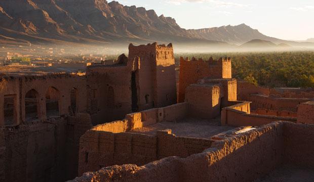 En Tamnougalt hay dos kasbahs, una homónima y otra denominada Kasbah des Caids
