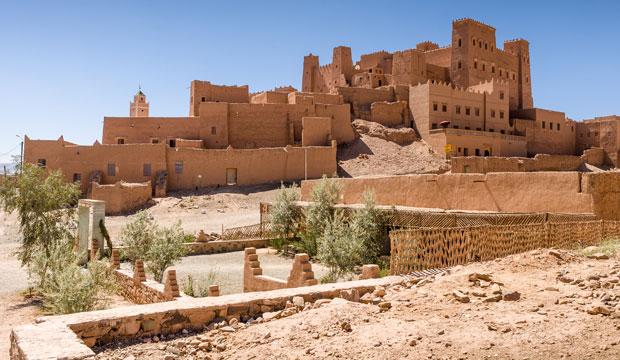 En ruta de las mil kasbahs nos encontramos la kasbah Oulad Othmane, que data del siglo XVII y que proporciona alojamiento