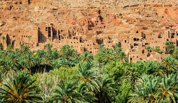 La kasbah de El Glaoui domina todo el conjunto del valle de Tinerhir