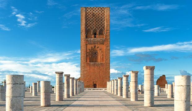 La torre Hassan de Rabat guarda grandes semejanzas con La Giralda de Sevilla y la Kutubía de Marrakech