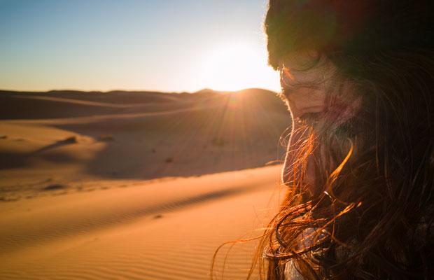 Pasar la noche noche en el desierto del Sáhara es algo que todos deberían hacer