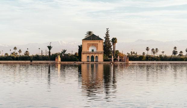 Los Jardines de la Menara es el vacío que ver en Marrakech favorito por sus ciudadanos para el esparcimiento