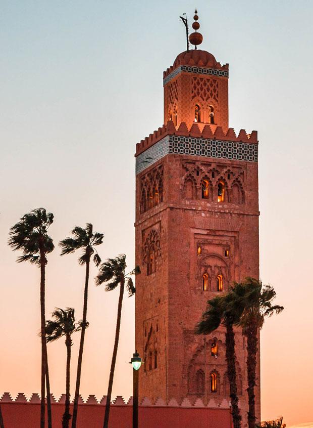 La Mezquita de Marrakech más importante es la Kutubía, y el minarete de la koutoubia uno de los emblemas de la ciudad