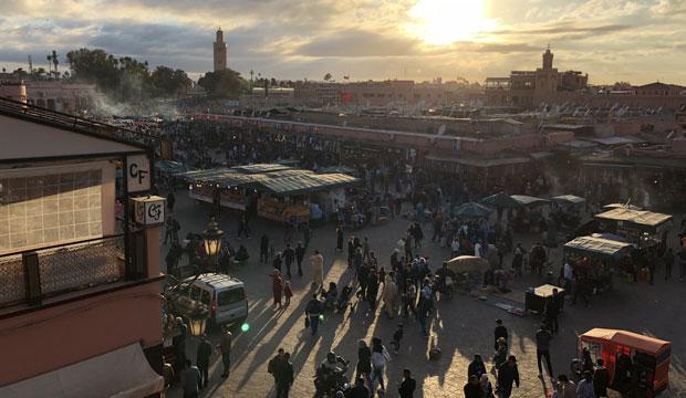 Los restaurantes con vistas a la plaza Jemaa El Fna son probablemente los mejores restaurantes de Marrakech