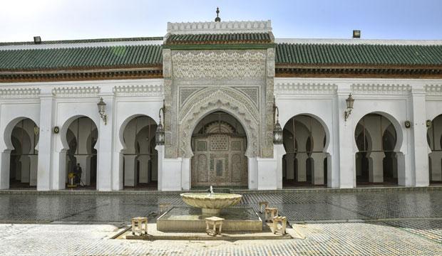 Fez, ¿qué ver? La Mezquita Al Karaouine, fundada en el 859 y ampliada continuamente a lo largo de su historia