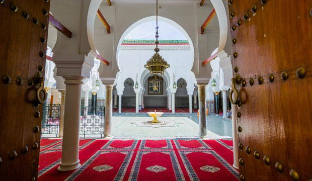 Fez. ¿Qué visitar? El Mausoleo de Mulay Idrís II es uno de los lugares en los que no podremos entrar