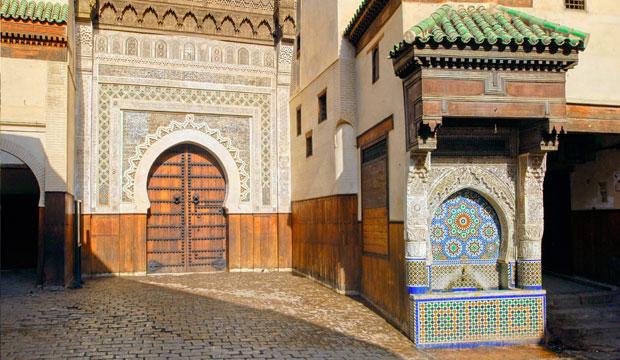 Visitar el Foundouk Nejjarine es una de las cosas que hacer en Fez imprescindibles
