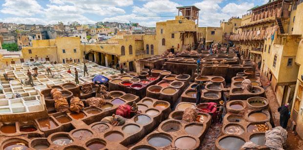 Las curtidurías de Fez, como la de Chowara, funcionan actualmente como grandes cooperativas con su propia administración