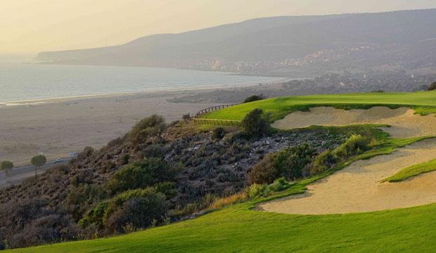 Tazegzout es un campo de golf en Marruecos y diseñado por Kyle Phillipes