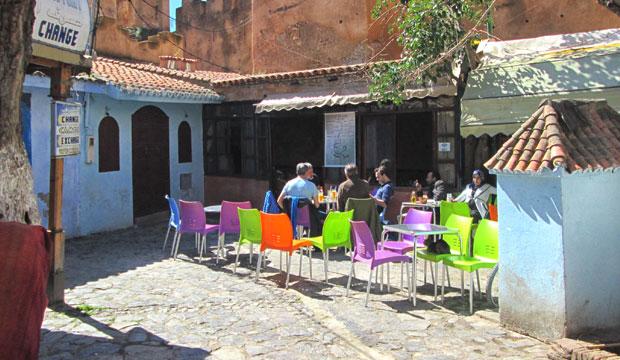 Si estás buscando dónde tomar un té en Chefchaouen, te recomiendo el Alkasaba Café