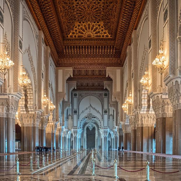 Mezquita Hassan II interior. La Mezquita Hassan 2 es la única mezquita activa en Marruecos abierta a los no musulmanes